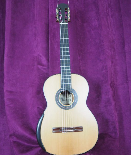 classical guitar luthier Robin Moyes  Simon marty