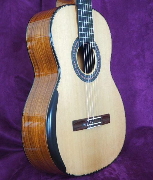 classical guitar luthier Robin Moyes WWW.GUITARE-CLASSIQUE-CONCERT.FR