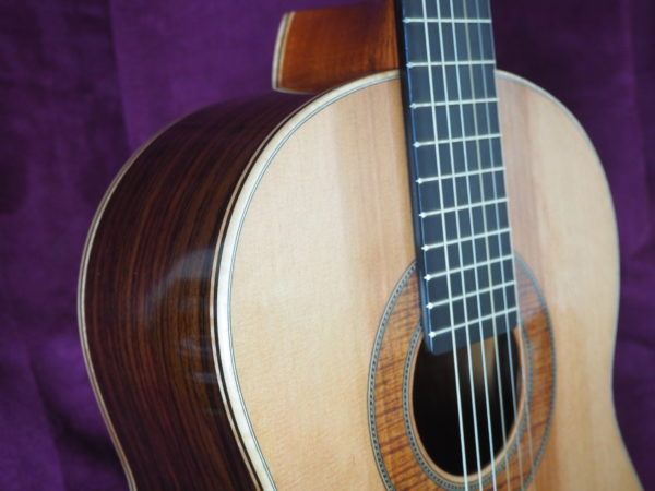 classical guitar of luthier  graham caldersmith availaible on our website www.concert-classical-guitar.com