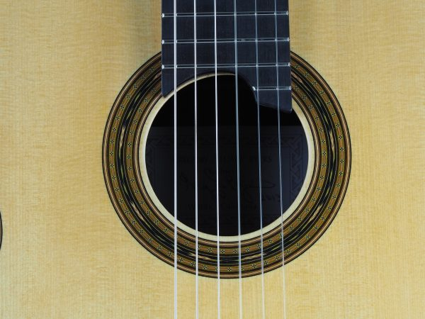 Gregory Byers classical guitar luthier lattice épicéa