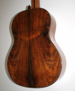 classical concert guitar of the luthier Stanislaw Partyka. cedar table lattice bracing Greg Smallman ou de Jim Regate, South American rosewood,