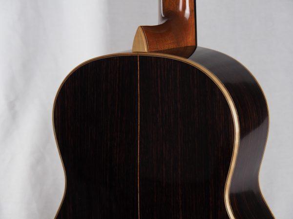 classical guitar luthier graham Caldersmith 17CAL108-10