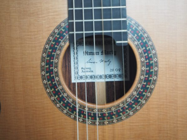 Robin Moyes luthier classic guitar in the Simon Marty